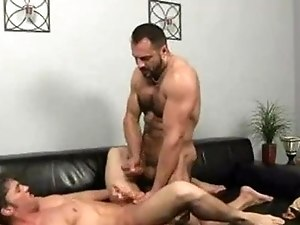 Daddy masseur gives pleasure to his young customer